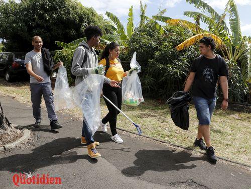 ramassage de dechets autour des lycŽes