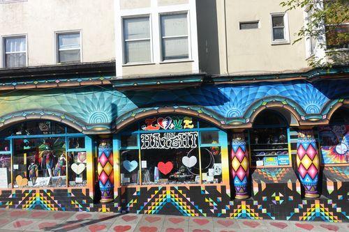 La ville a été fréquentée par des artistes comme Jimi Hendrix, Janis Joplin, etc.